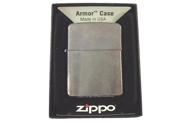 Hop quet Zippo nham trang Armor ntz917