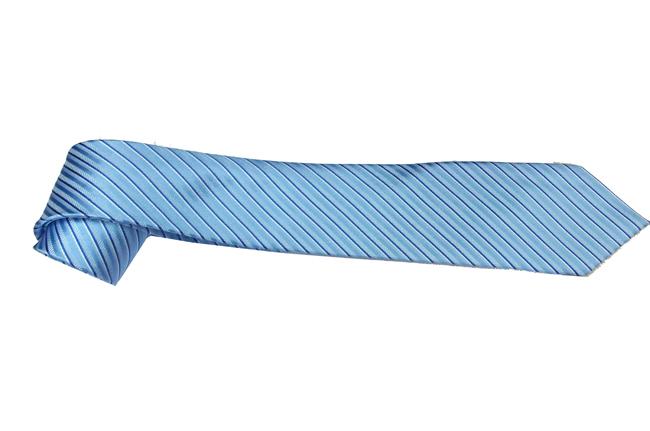 Ca vat mau xanh da troi  soc ban vua CV201