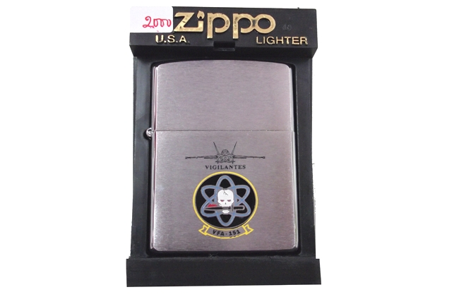 Hop quet zippo may bay Vigilantes la ma doi XVI nam 2000 ntz679