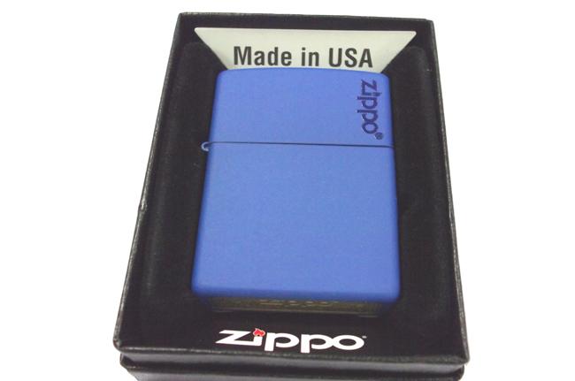 Hop quet Zippo son xanh duong logo ntz907