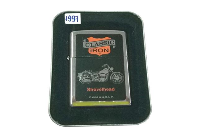 Zippo Classic Iron hinh Motor Shovelhead doi XIII (1997) ntz222