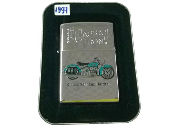 Zippo Classic Iron hinh Motor Panhead doi XIII (1997) ntz223