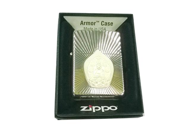 Zippo xuat Nhat Armor vang trang noi phat bac ntz639