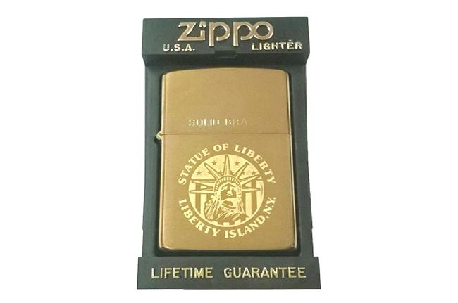 Zippo solid brass khac hinh nu than tu do doi la ma IX (1993) ntz228
