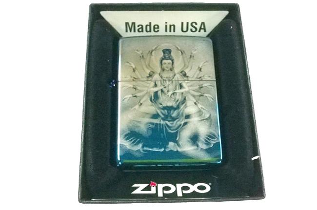 Hop quet Zippo xanh saphire 3D hinh phat ba nghin tay ntz011