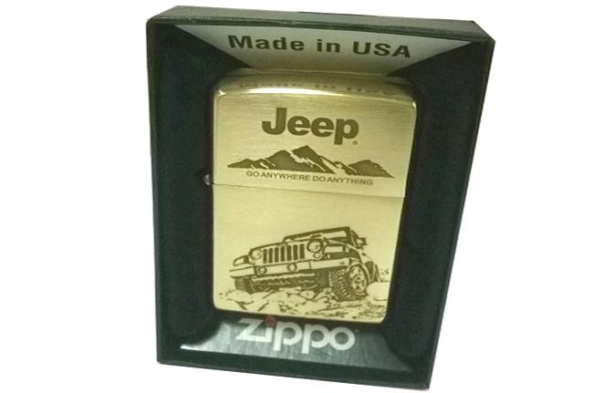 Zippo xuat Nhat dong thau khac 3 mat hinh xe Jeep ntz061