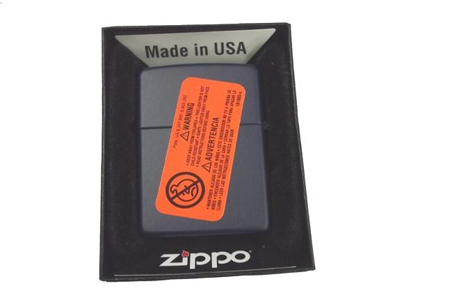 Hop quet Zippo son xanh den ntz477 3