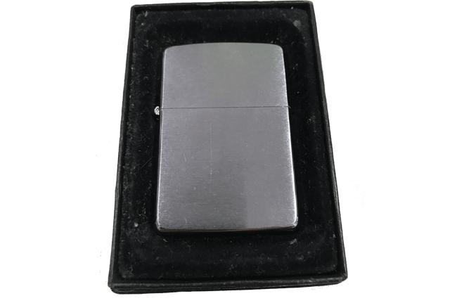 Bat lua zippo usa co nham tron hiem la ma X(1994) ntz541
