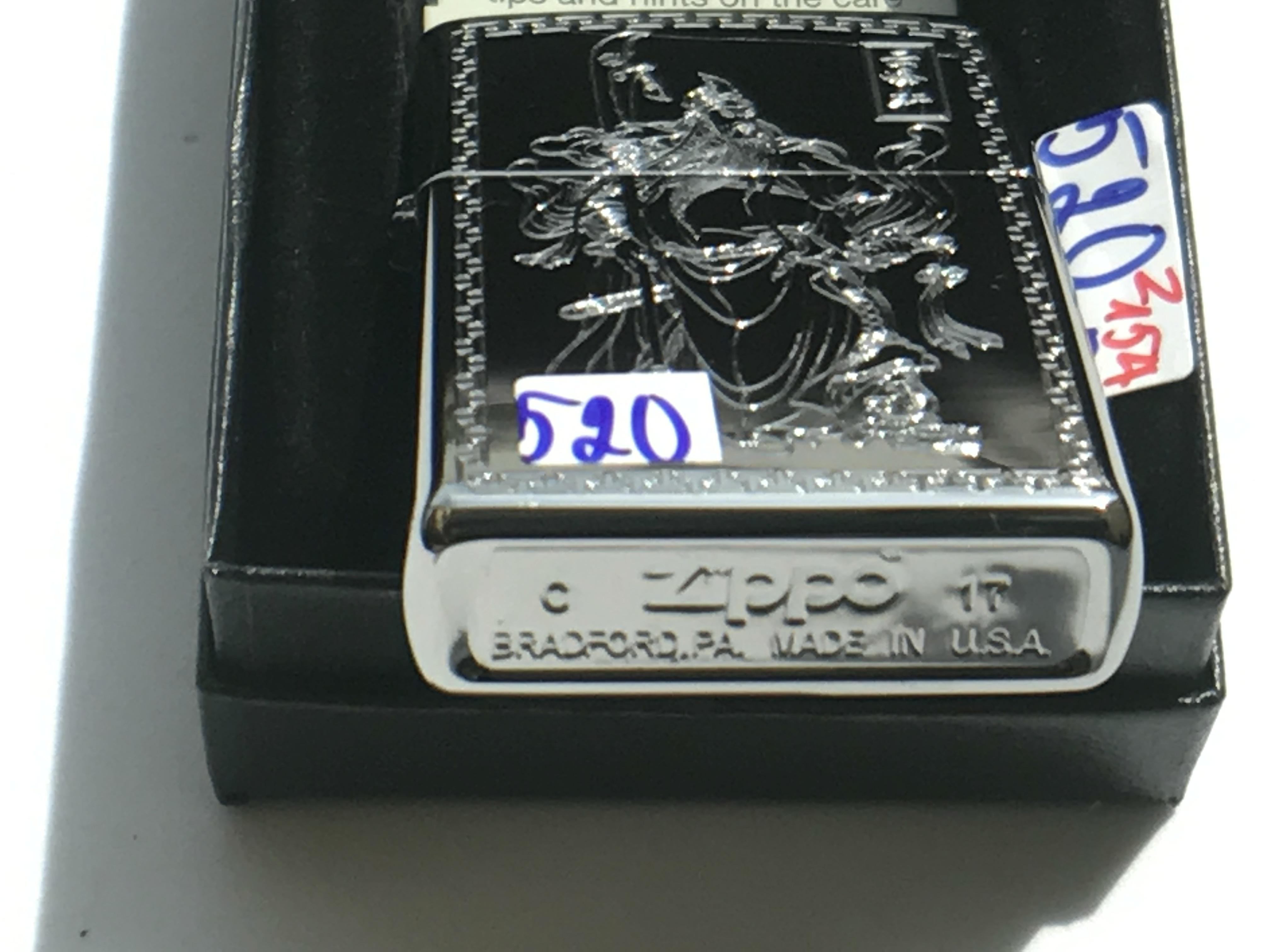 Zippo khac 3D 2 mat hinh quan cong ntz549 3