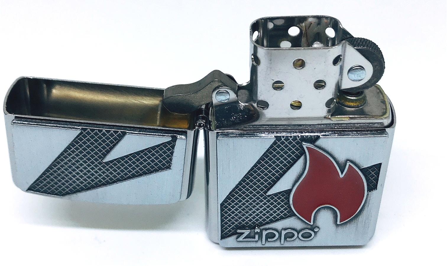 Hop quet zippo noi ngon lua trang Z613 3