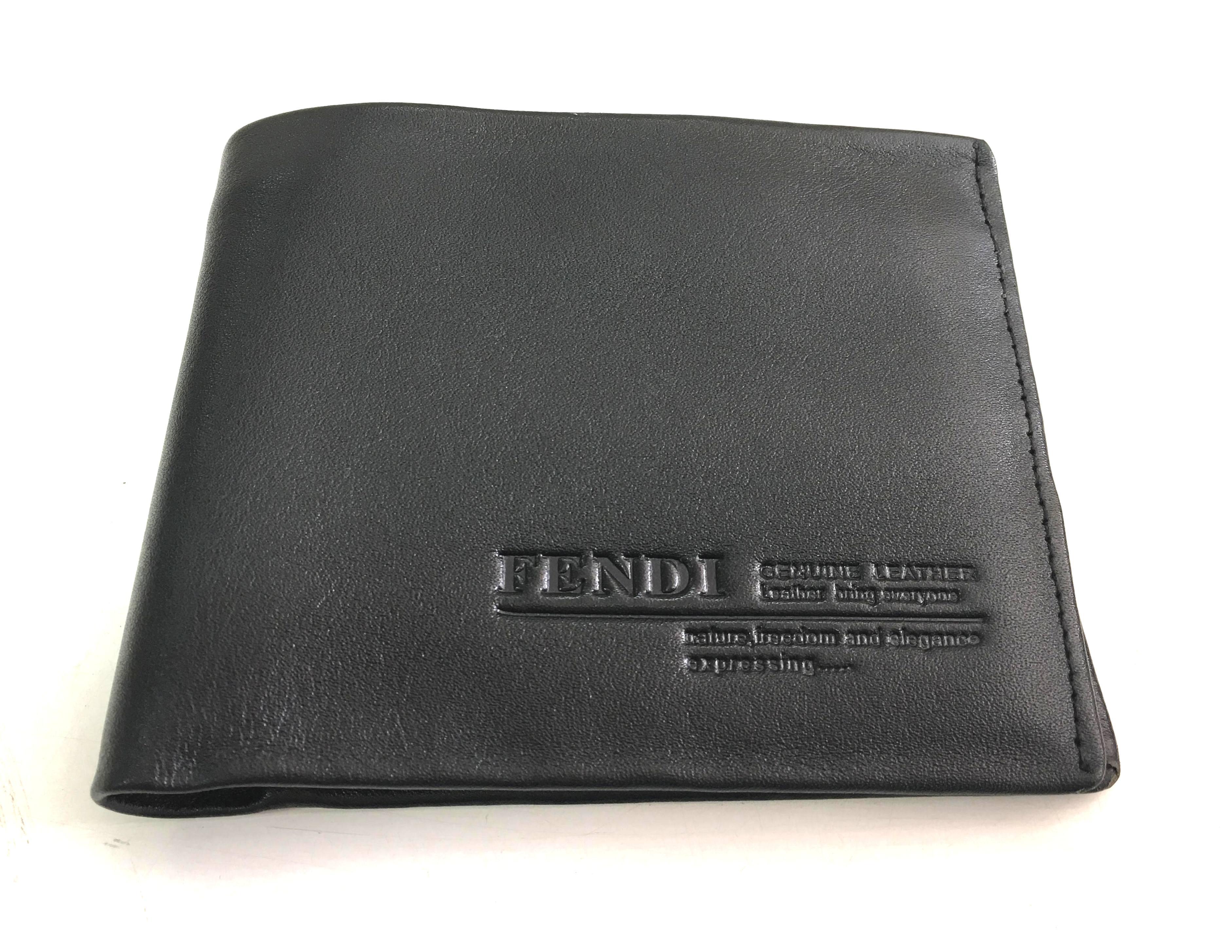 Bop nam da bo mau den FENDI B007
