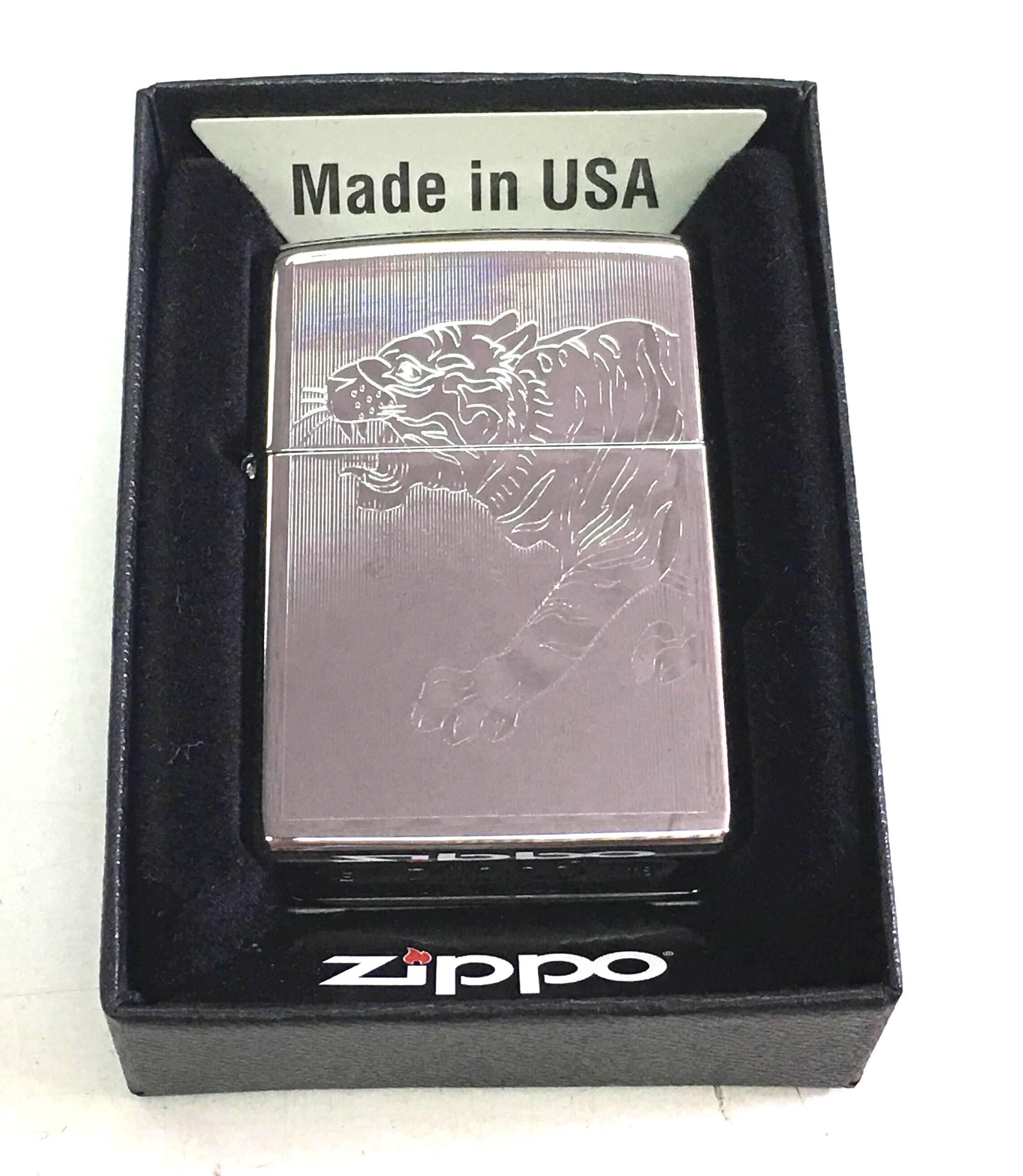 Zippo bong suot khac 1 mat hinh con ho Z662