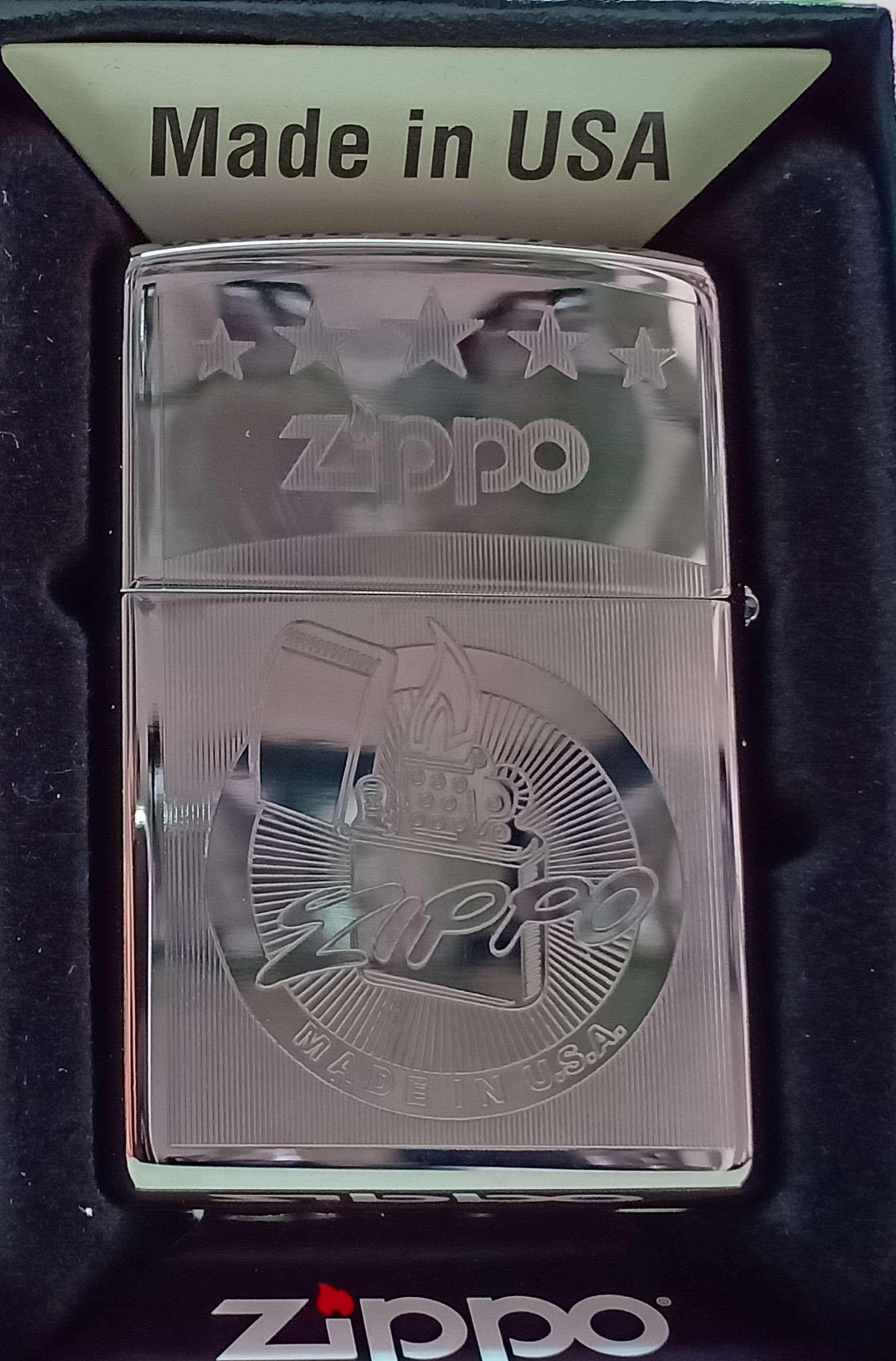 Zippo bong trang suot khac 2 mat chu zippo Z738 1