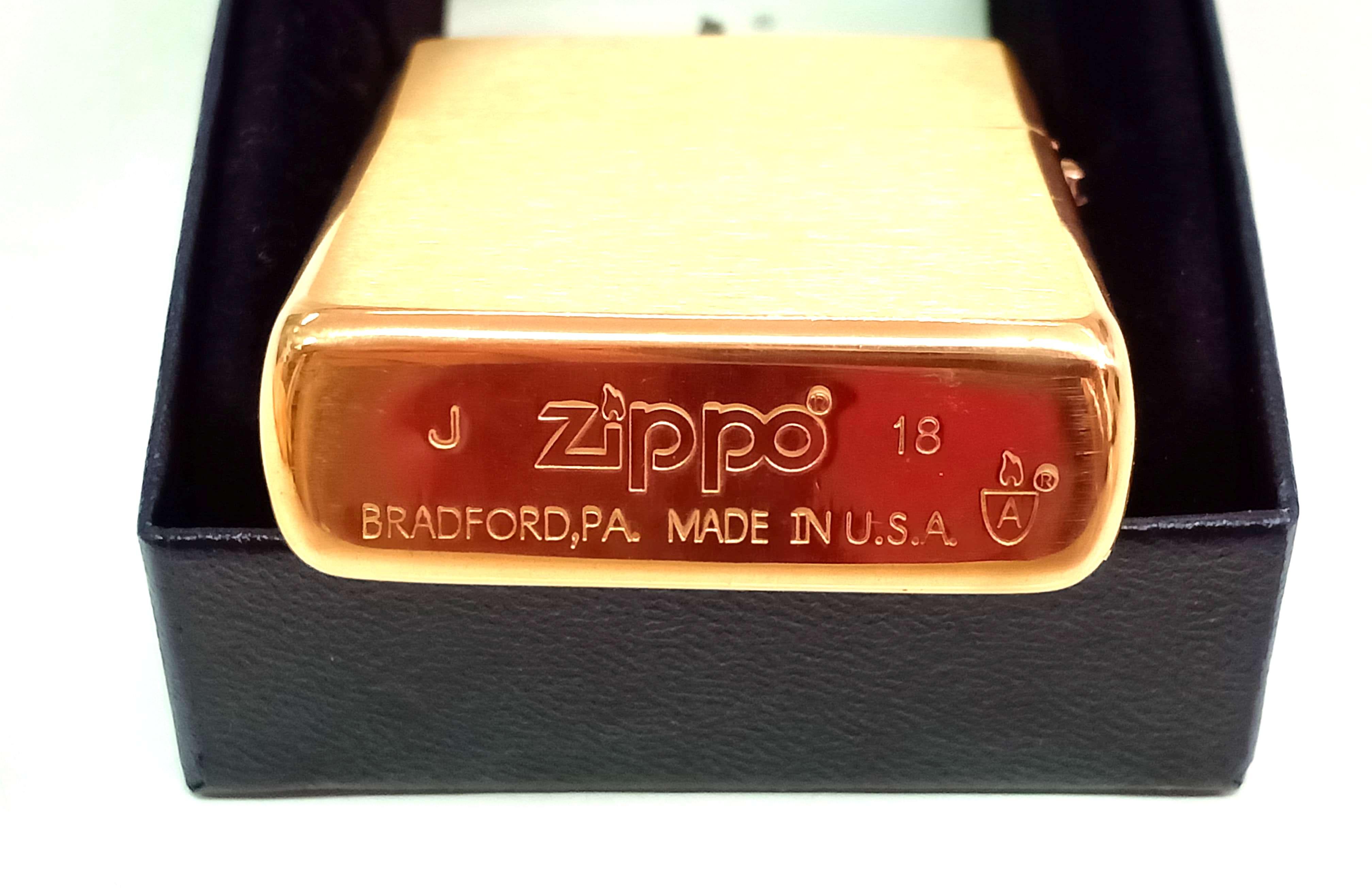 Zippo Armor vang nham Z747 3