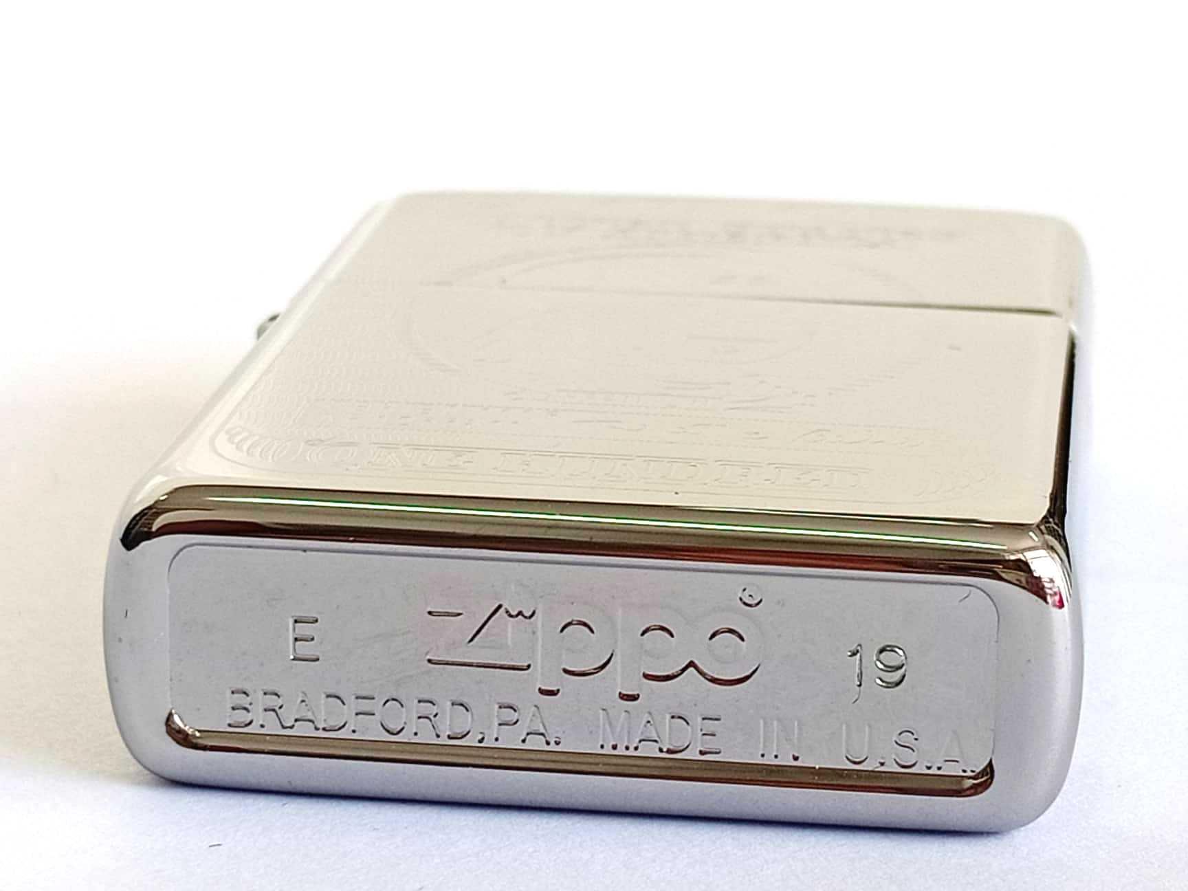 Zippo bong trang khac 2 mat hinh do la Z795 4