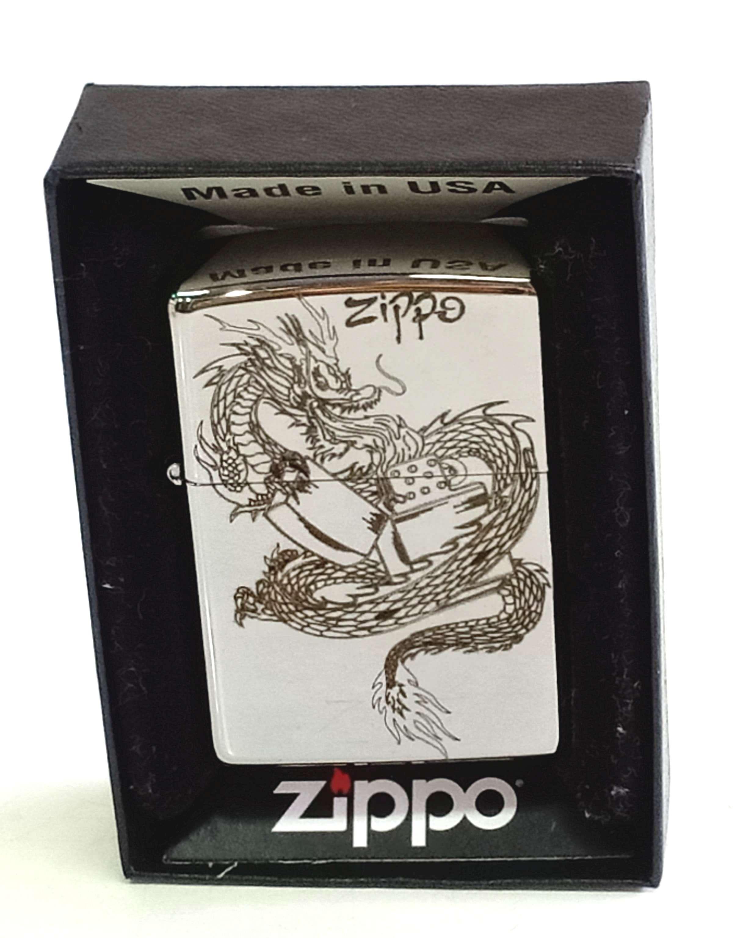 Zippo bong trang khac den hinh rong Z815