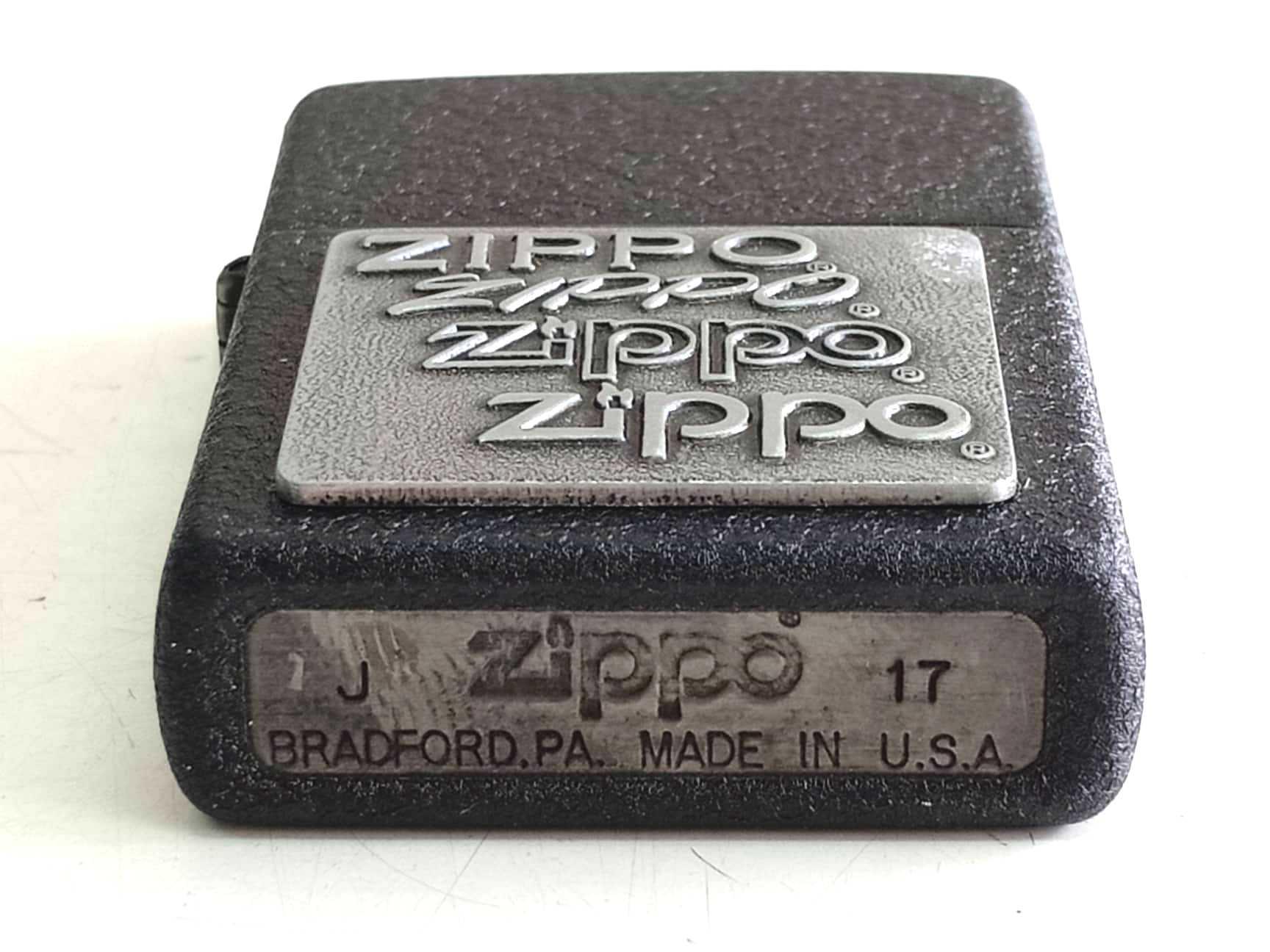 Zippo den san dap noi trang nua mat zippo Z822 3
