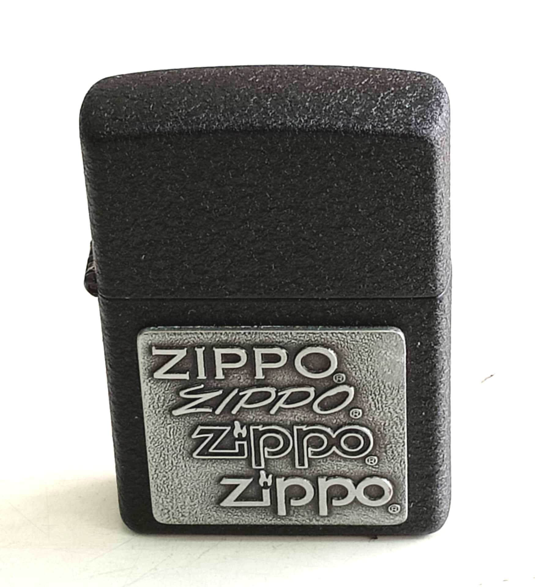 Zippo den san dap noi trang nua mat zippo Z822 1