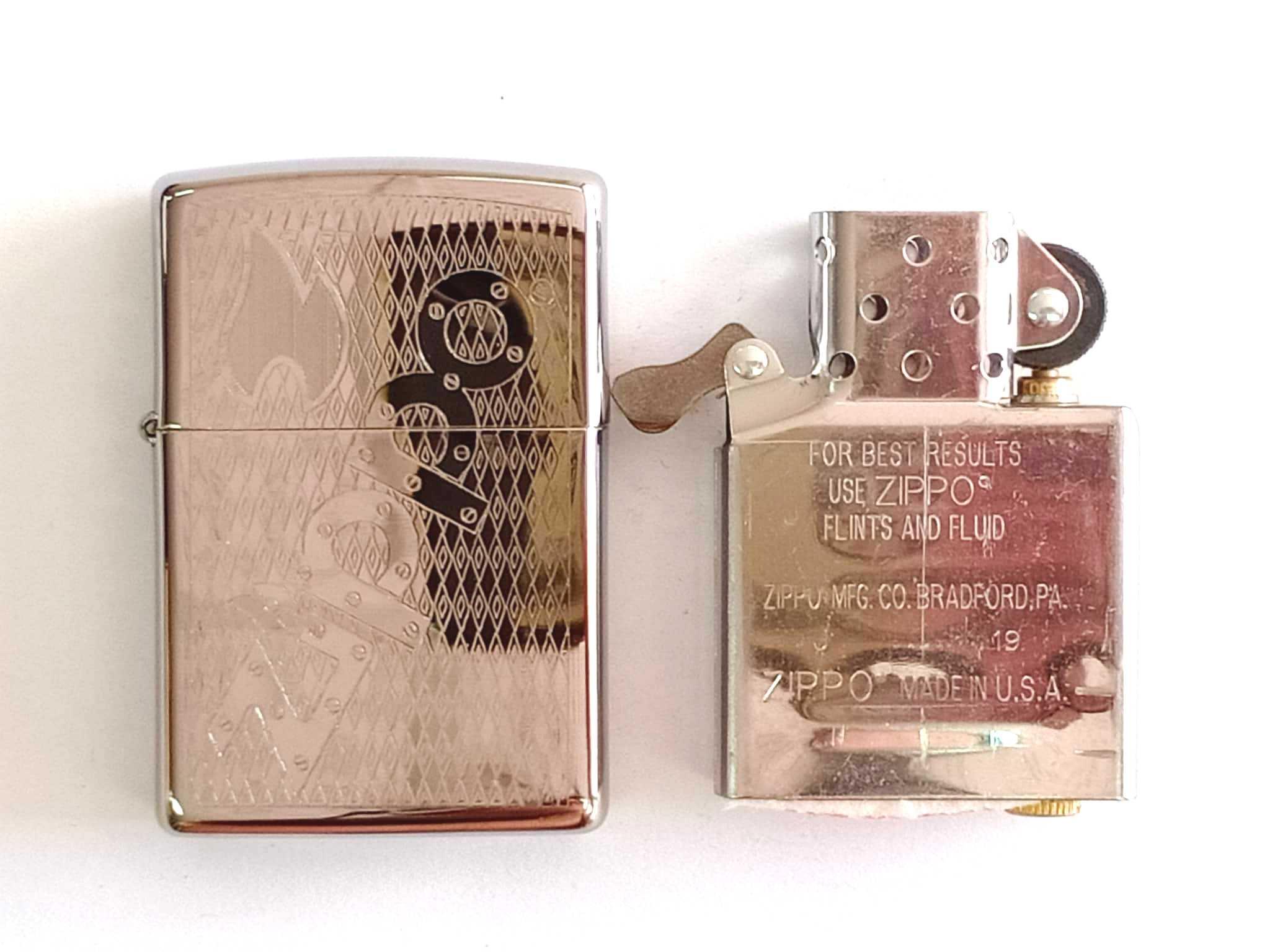 Zippo bong trang khac 1 mat chu Zippo Z845 4